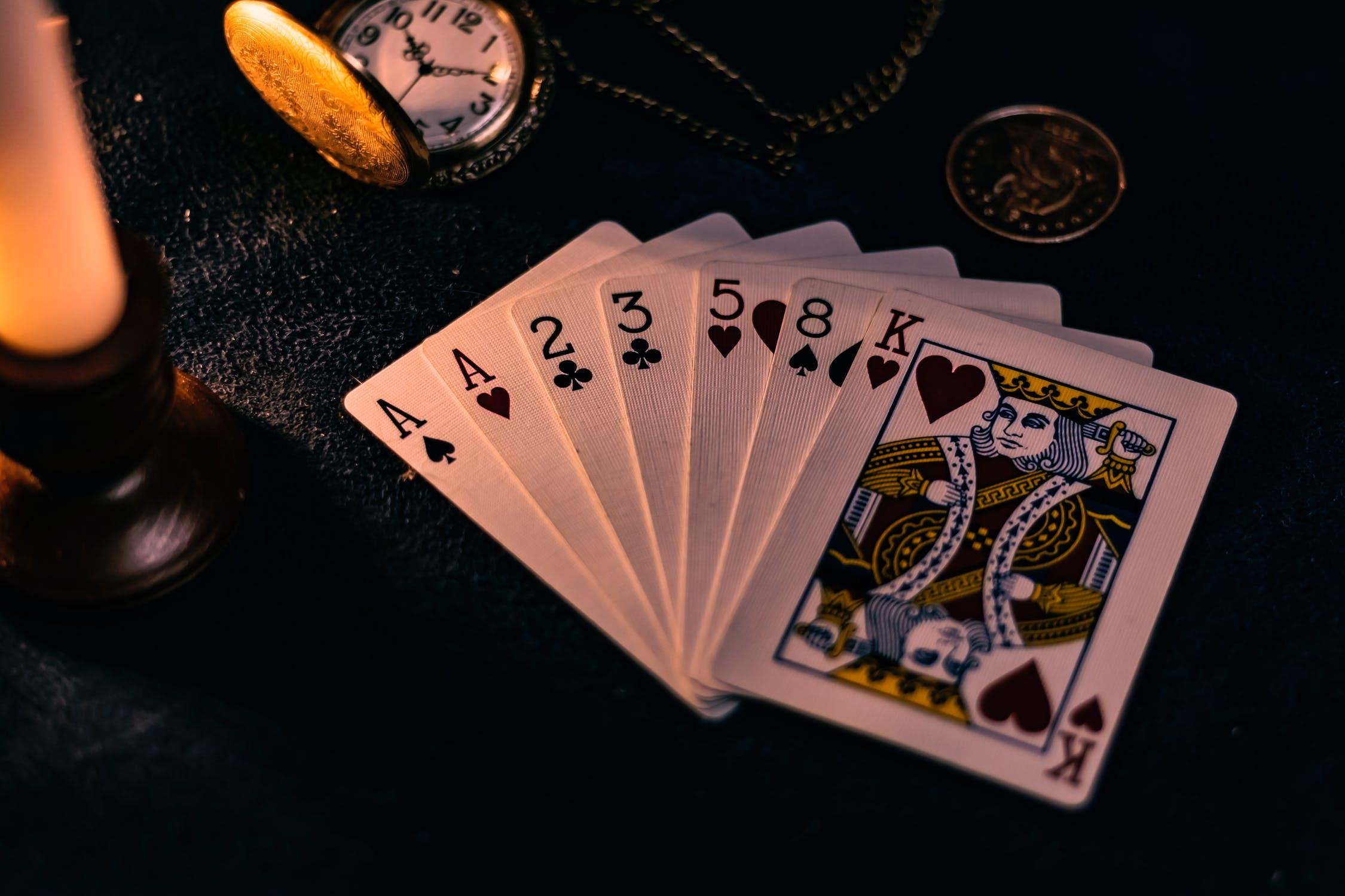 les autres cartes interpréter le 7 de cœur