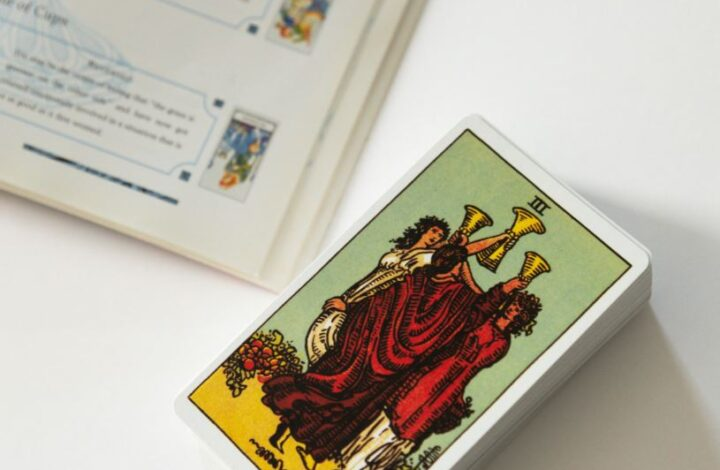 Cartomancie Amour : comment interroger les cartes sur l'amour
