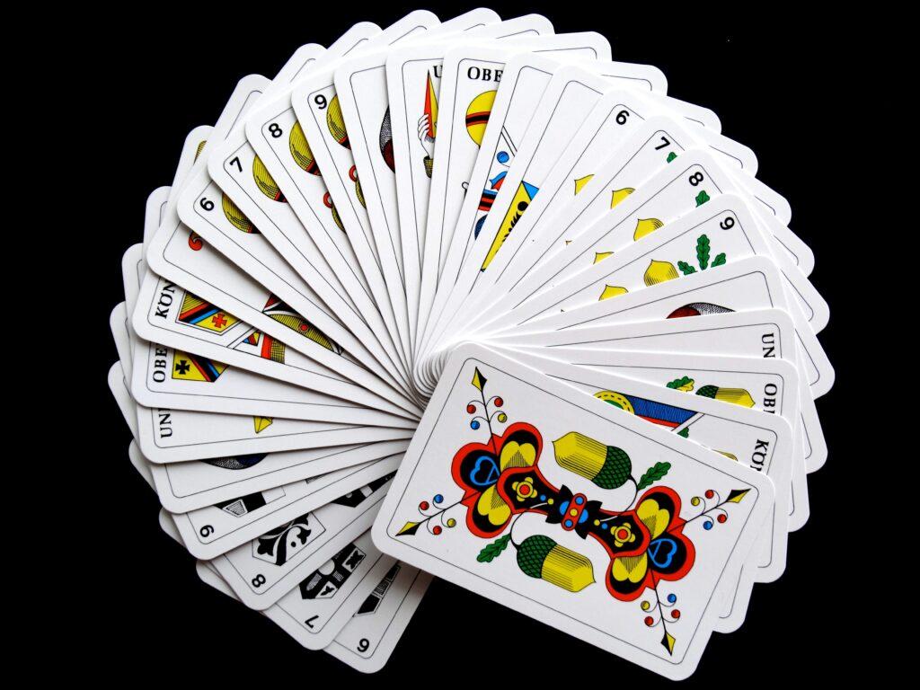 cartes de tarot de marseille en rond tirage par oui ou par non